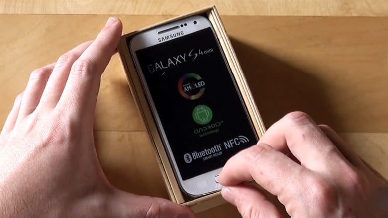 Samsung-Galaxy-S4-mini-unboxing