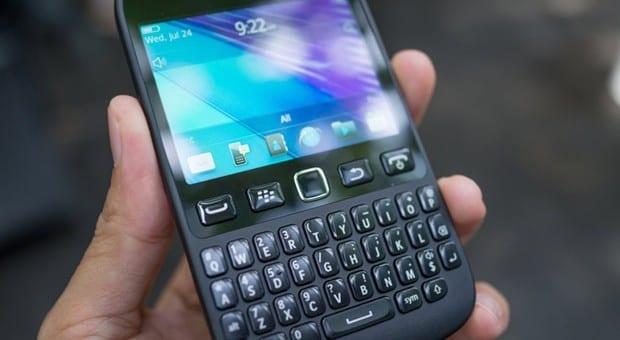 tinhte.vn-blackberry-9720-08_620x340