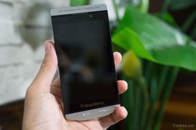 blackberry-z10-porsche-design-1