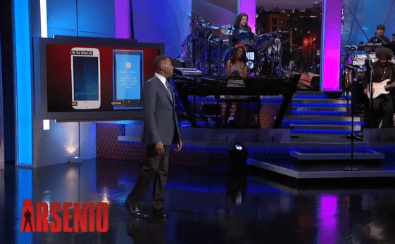 Cortana plus poli que Siri dans clip de Arsenio Hall Show Capture11
