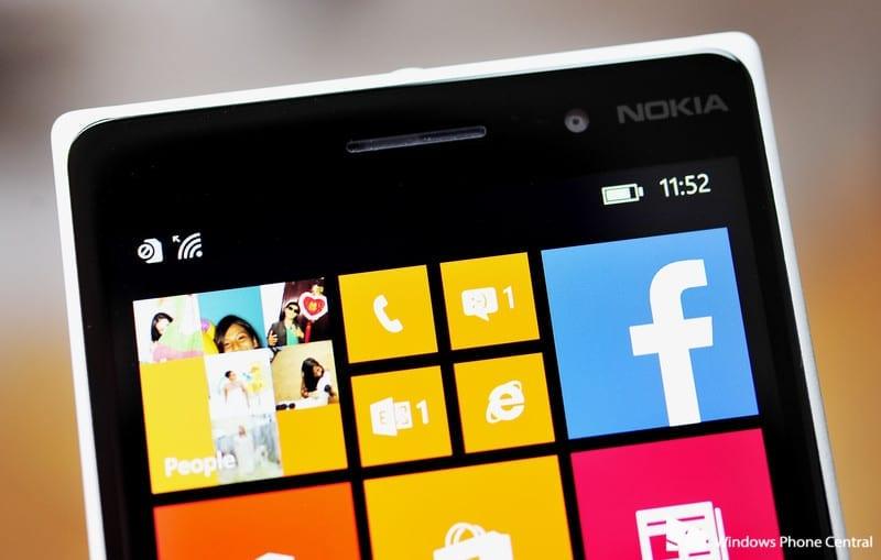 Lumia_830_top_display
