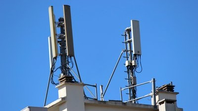 0190000006639034-photo-antennes-relais-gsm